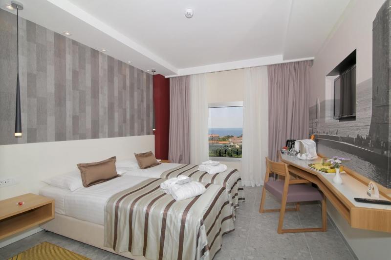 Quarto delicioso do hotel Lero com vista para a cidade, ótimo lugar onde se hospedar em Dubrovnik