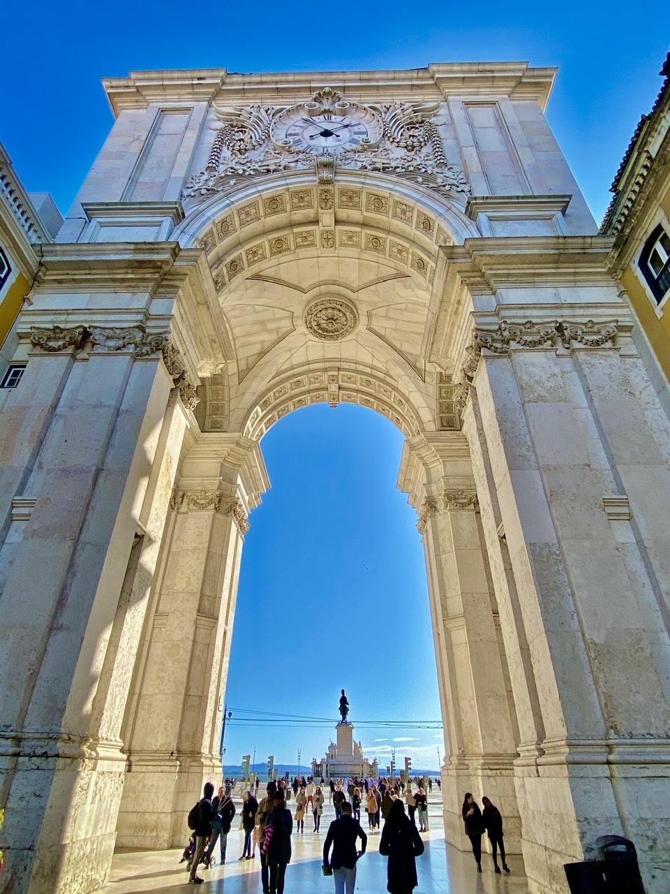 O majestoso Arco da Rua Augusta na Baixa de Lisboa