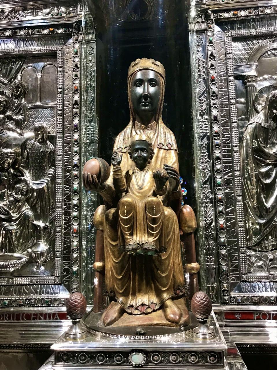 A impressionante Madonna Negra de Montserrat