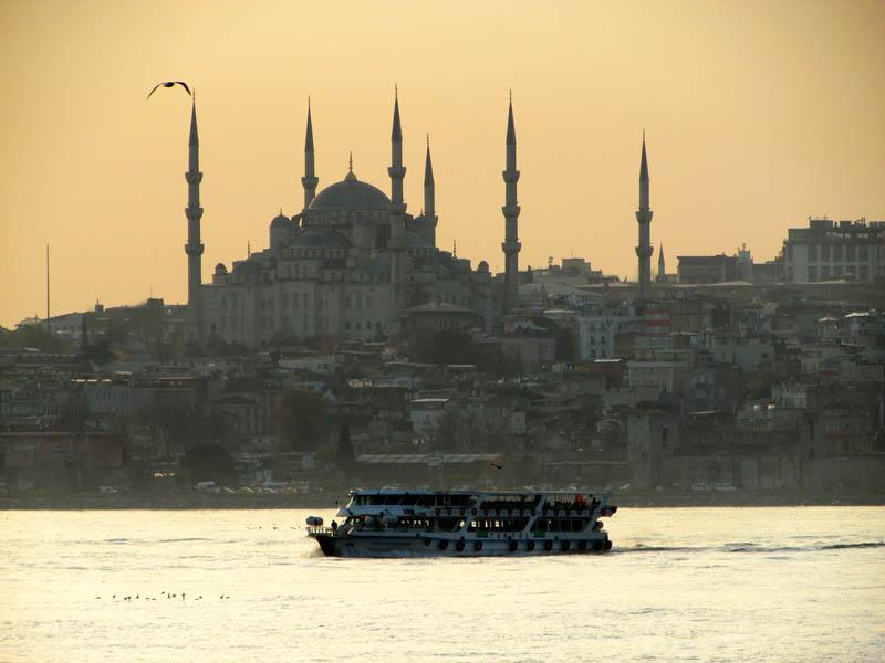Passeio de barco no Bósforo em Istambul