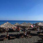 Praia onde ficar em Santorini barato